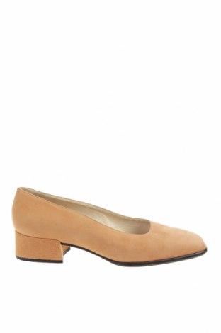 Дамски обувки Escada, Размер 36, Цвят Бежов, Естествен велур, Цена 97,28лв.