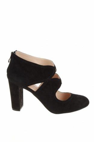Дамски обувки Pier One, Размер 40, Цвят Черен, Естествен велур, Цена 65,45лв.