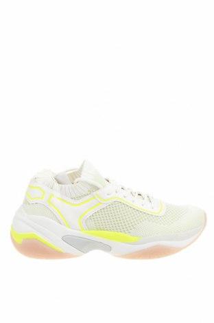 Дамски обувки Tamaris, Размер 40, Цвят Бял, Текстил, еко кожа, Цена 59,95лв.