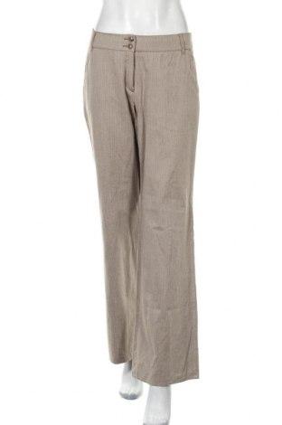 Дамски панталон Betty Barclay, Размер M, Цвят Бежов, 75% памук, 25% вискоза, Цена 11,88лв.
