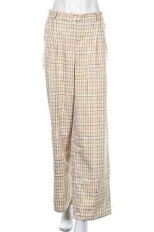 Дамски панталон Fashion Union, Размер XL, Цвят Бежов, 94% полиамид, 3% полиестер, 3% еластан, Цена 16,30лв.