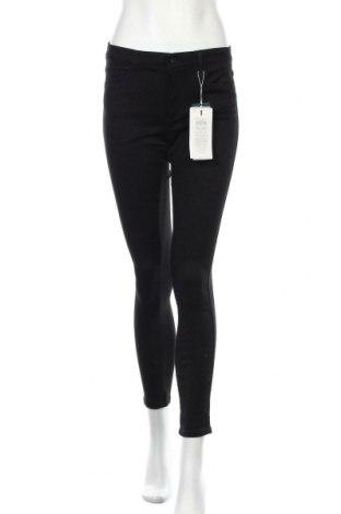 Дамски панталон ONLY, Размер M, Цвят Черен, 69% памук, 29% полиестер, 2% еластан, Цена 20,48лв.