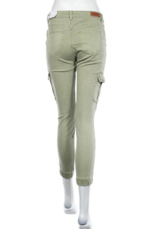 Дамски панталон ONLY, Размер M, Цвят Зелен, 98% памук, 2% еластан, Цена 19,98лв.