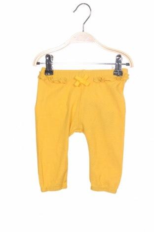 Pantaloni pentru copii Name It, Mărime 1-2m/ 50-56 cm, Culoare Galben, 95% bumbac, 5% elastan, Preț 80,13 Lei