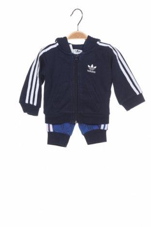 Детски спортен комплект Adidas Originals, Размер 2-3m/ 56-62 см, Цвят Син, 70% памук, 30% полиестер, Цена 33,54лв.