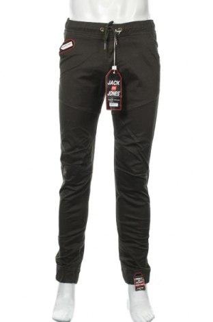 Ανδρικό παντελόνι Jack & Jones, Μέγεθος M, Χρώμα Πράσινο, Τιμή 54,29€