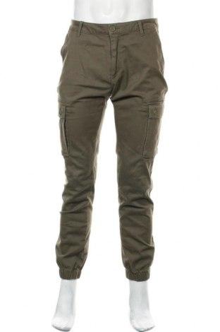 Мъжки панталон Pier One, Размер L, Цвят Зелен, 98% памук, 2% еластан, Цена 34,22лв.