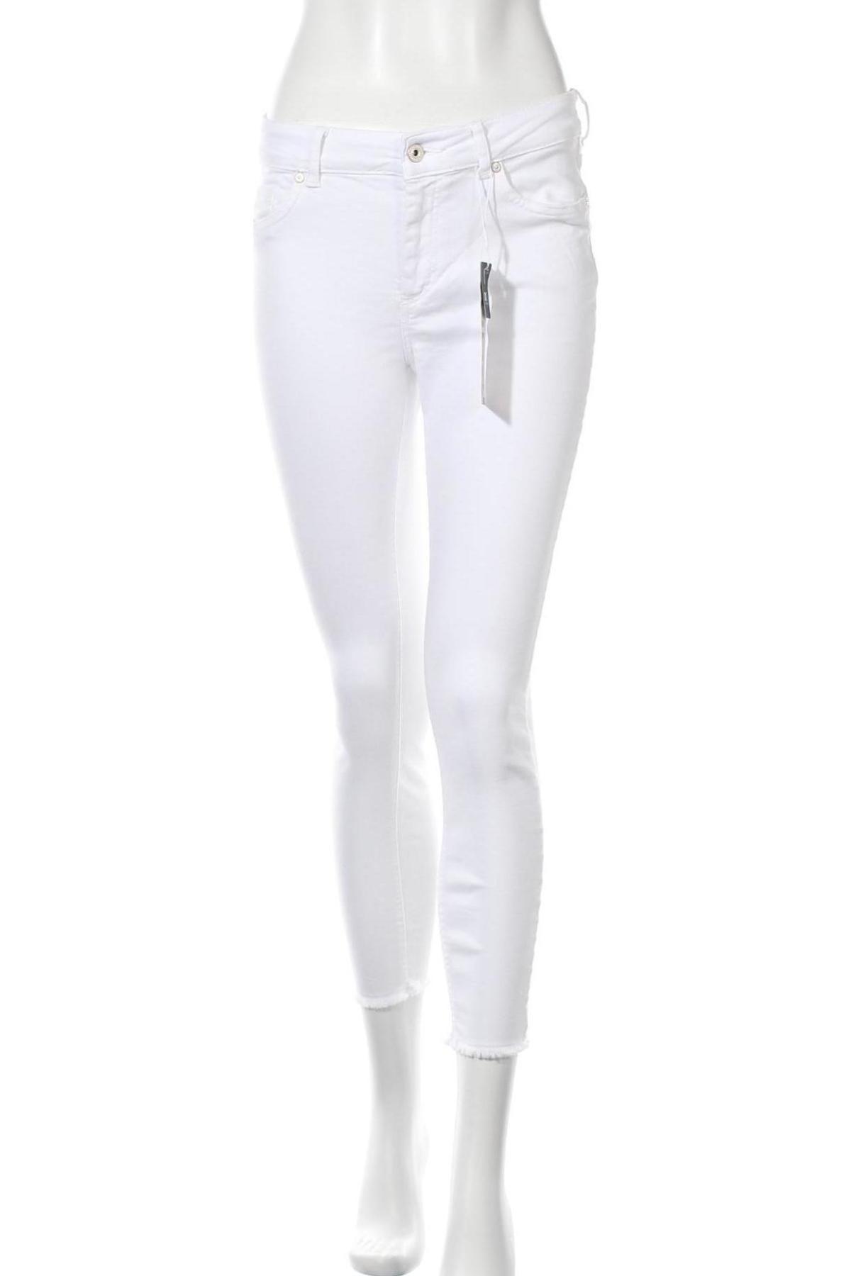 Дамски дънки ONLY, Размер M, Цвят Бял, 92% памук, 8% еластан, Цена 20,54лв.