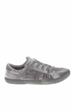 Ανδρικά παπούτσια Target