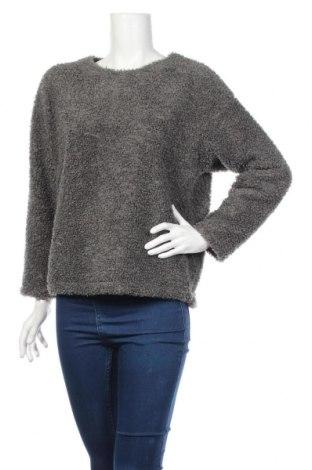 Дамска блуза Uniqlo, Размер M, Цвят Сив, Полиестер, Цена 16,46лв.