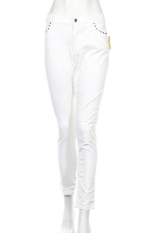 Дамски дънки Michael Kors, Размер L, Цвят Бял, 99% памук, 1% еластан, Цена 22,80лв.