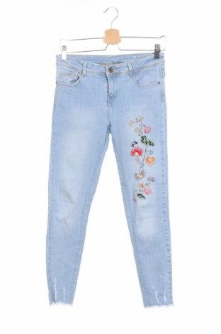 Дамски дънки Zara, Размер S, Цвят Син, 98% памук, 2% еластан, Цена 28,81лв.