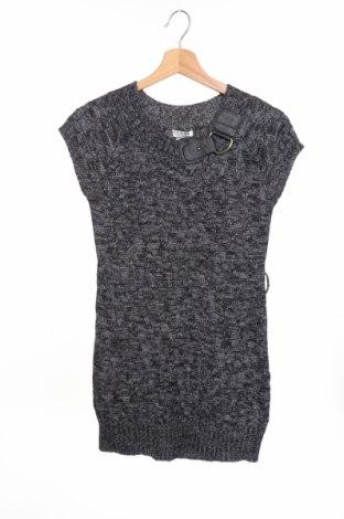 Детска рокля Guess, Размер 14-15y/ 168-170 см, Цвят Сив, 70% акрил, 30% вълна, Цена 34,27лв.