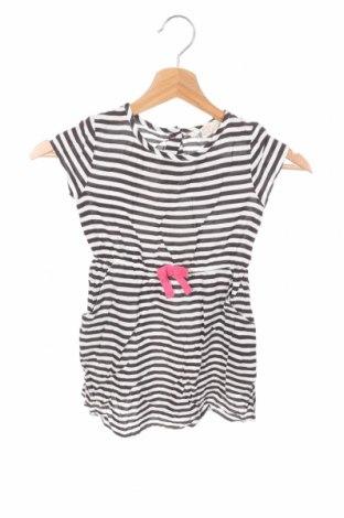 Детска рокля H&M, Размер 2-3y/ 98-104 см, Цвят Бял, Вискоза, Цена 30,24лв.