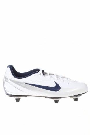 Детски обувки Nike, Размер 38, Цвят Бял, Еко кожа, Цена 35,80лв.