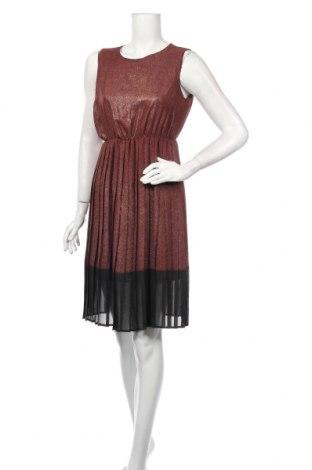 Sukienka Angela Davis, Rozmiar M, Kolor Brązowy, 95% poliester, 5% elastyna, Cena 106,80zł