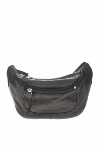 Чанта за кръст Urban Outfitters, Цвят Черен, Естествена кожа, Цена 51,75лв.