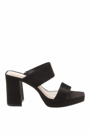 Чехли Zara, Размер 36, Цвят Черен, Естествен велур, Цена 21,42лв.