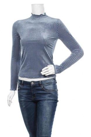 Дамска блуза SHEIN, Размер XS, Цвят Син, 90% полиестер, 10% еластан, Цена 12,50лв.