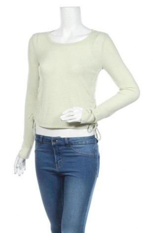 Γυναικεία μπλούζα Urban Outfitters, Μέγεθος L, Χρώμα Πράσινο, 61% πολυεστέρας, 31% βισκόζη, 8% ελαστάνη, Τιμή 2,45€