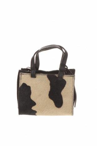 Дамска чанта Urban Outfitters, Цвят Черен, Естествен велур, естествен косъм, Цена 48,00лв.