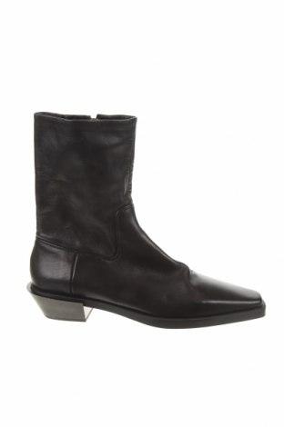 Дамски боти Zara, Размер 41, Цвят Черен, Естествена кожа, Цена 32,11лв.