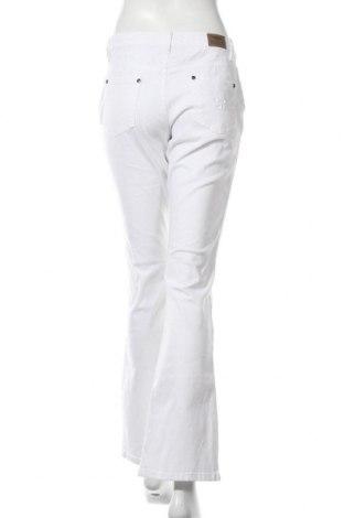 Дамски дънки Arizona, Размер M, Цвят Бял, 98% памук, 2% еластан, Цена 25,95лв.