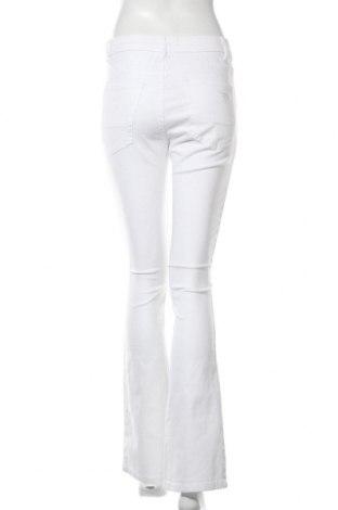 Дамски дънки Arizona, Размер S, Цвят Бял, 98% памук, 2% еластан, Цена 24,88лв.