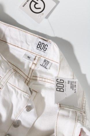 Дамски дънки BDG, Размер M, Цвят Екрю, Памук, Цена 30,84лв.