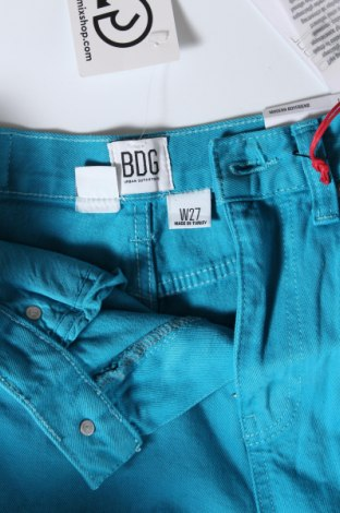 Дамски дънки BDG, Размер S, Цвят Син, 99% памук, 1% еластан, Цена 41,96лв.