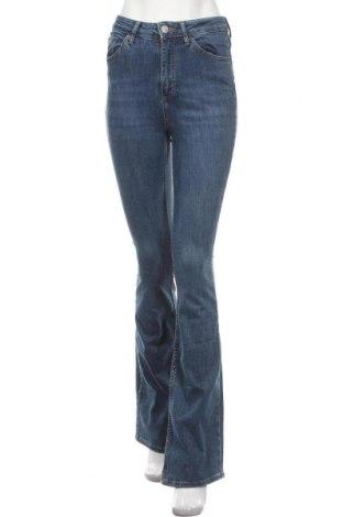 Дамски дънки BDG, Размер S, Цвят Син, 98% памук, 2% еластан, Цена 74,25лв.