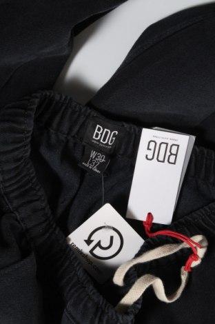 Дамски дънки BDG, Размер M, Цвят Син, 72% памук, 28% полиестер, Цена 24,02лв.
