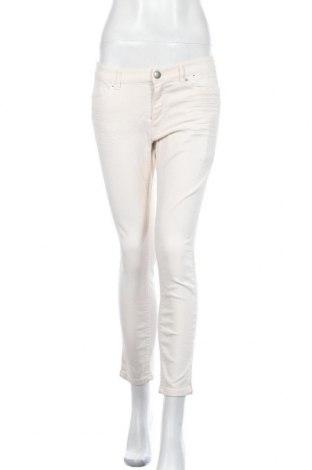 Дамски дънки Marc Cain, Размер M, Цвят Екрю, 97% памук, 3% еластан, Цена 71,70лв.