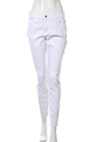 Дамски дънки Tamaris, Размер L, Цвят Бял, 98% памук, 2% еластан, Цена 37,12лв.