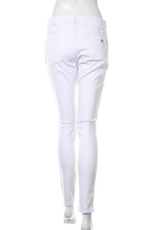 Дамски дънки Tamaris, Размер M, Цвят Бял, 98% памук, 2% еластан, Цена 27,21лв.