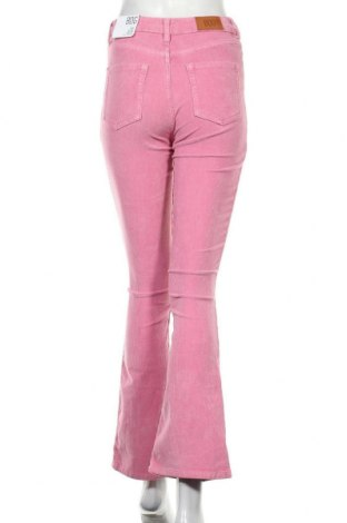 Дамски джинси BDG, Размер S, Цвят Розов, 98% памук, 2% еластан, Цена 31,42лв.