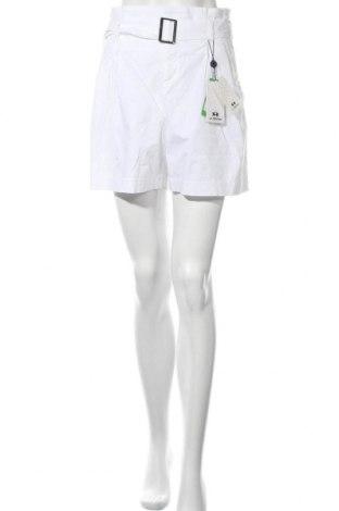 Γυναικείο κοντό παντελόνι La Martina, Μέγεθος M, Χρώμα Λευκό, 98% βαμβάκι, 2% ελαστάνη, Τιμή 74,50€
