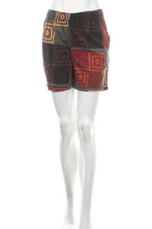 Дамски къс панталон Urban Outfitters, Размер S, Цвят Многоцветен, Памук, Цена 44,25лв.