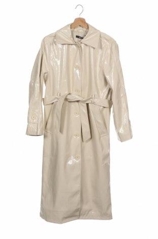 Дамски кожен шлифер Gina Tricot, Размер XS, Цвят Бежов, Еко кожа, Цена 62,72лв.
