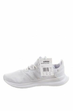 Дамски обувки Adidas, Размер 40, Цвят Бял, Текстил, еко кожа, Цена 126,75лв.