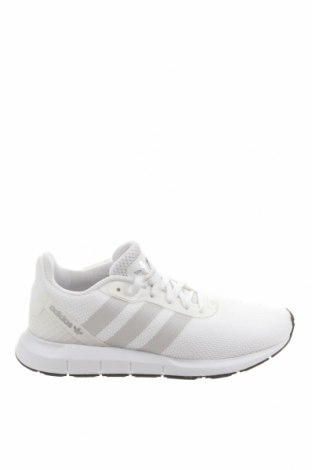 Дамски обувки Adidas Originals, Размер 37, Цвят Бял, Текстил, еко кожа, Цена 123,37лв.