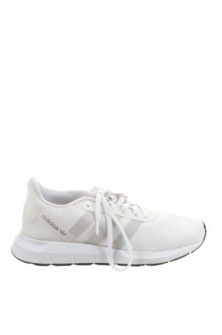 Дамски обувки Adidas Originals, Размер 38, Цвят Бял, Текстил, еко кожа, Цена 130,67лв.