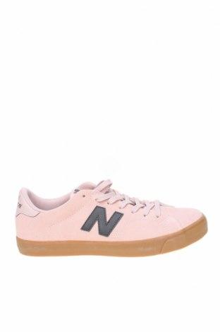 Дамски обувки New Balance, Размер 41, Цвят Розов, Естествен велур, еко кожа, Цена 51,60лв.