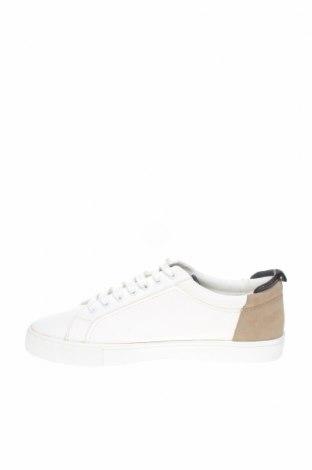 Дамски обувки Zara, Размер 41, Цвят Бял, Еко кожа, Цена 29,25лв.