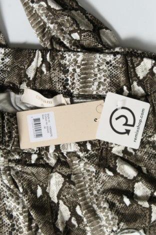 Дамски панталон Cream, Размер M, Цвят Зелен, 95% вискоза, 5% еластан, Цена 66,75лв.