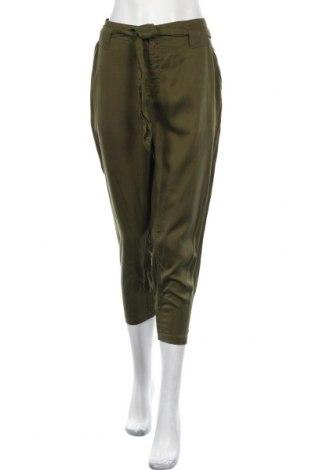 Γυναικείο παντελόνι H&M Divided, Μέγεθος L, Χρώμα Πράσινο, Τενσελ, Τιμή 14,91€