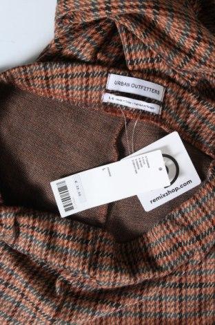 Дамски панталон Urban Outfitters, Размер L, Цвят Многоцветен, 69% полиестер, 30% вискоза, 1% еластан, Цена 19,80лв.
