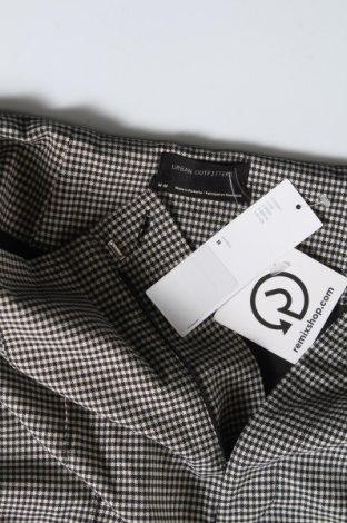 Дамски панталон Urban Outfitters, Размер M, Цвят Екрю, 67% полиестер, 31% вискоза, 2% еластан, Цена 27,59лв.
