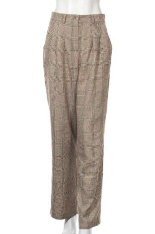Дамски панталон Urban Outfitters, Размер M, Цвят Бежов, 67% полиестер, 33% вискоза, Цена 9,84лв.