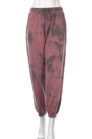 Pantaloni trening de femei Urban Outfitters, Mărime S, Culoare Roz, 79% bumbac, 21% poliester, Preț 170,23 Lei